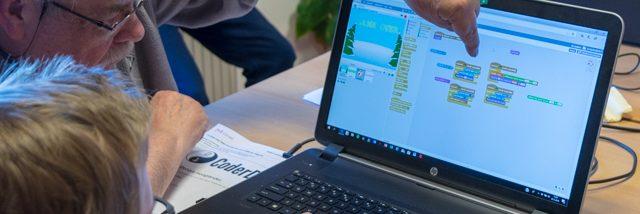 Deelnemer leert Scratch (25 feb 2018)